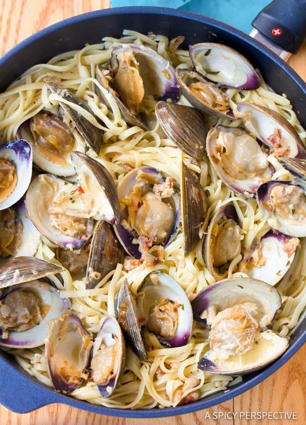 How To: Clam Pasta (Pasta Alle Vongole Recipe) | ASpicyPerspective.com