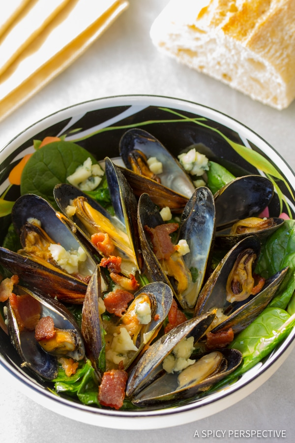 Best Mussels Recipe with Blue Cheese and Bacon (Moules Fromage Bleu) | ASpicyPerspective.com
