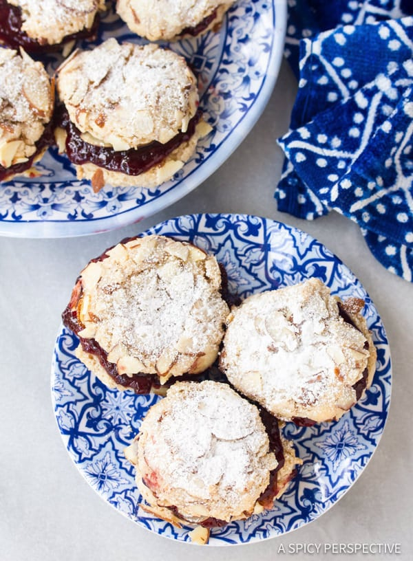 Simple Gluten Free Almond Sandwich Cookies #christmas #holiday