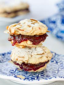 Gluten Free Almond Sandwich Cookies #christmas #holiday