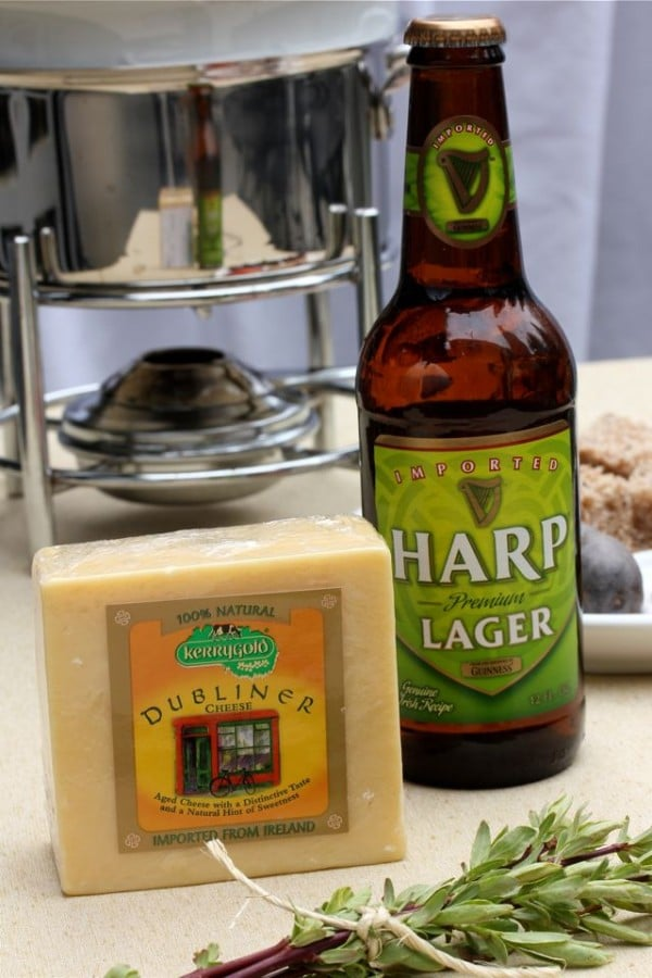 Creamy Dubliner Fondue