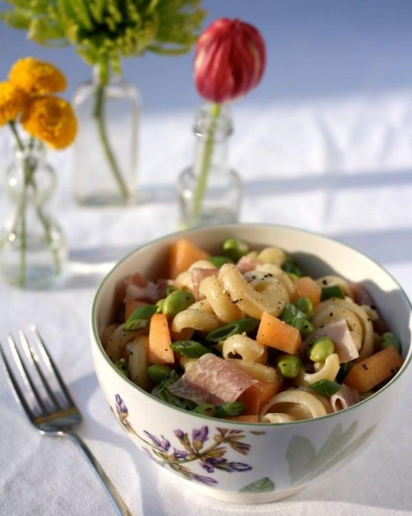 Easy Prosciutto and Edamame Pasta with Lemon Glaze on ASpicyPerspective.com #pasta #spring