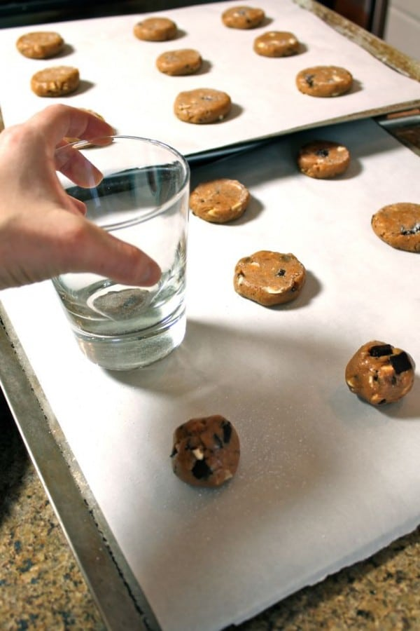 How to Make Almond Butter Chocolate Chunk Cookies