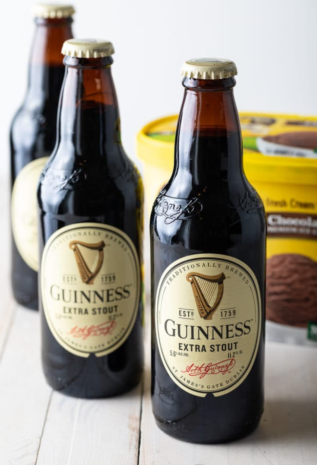 Guinness Float Recipe #irish #beer #chocolate #saintpatricksday #stpaddysday