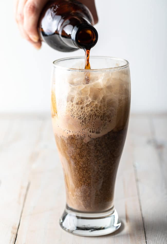 How To Make Guinness Floats #irish #beer #chocolate #saintpatricksday #stpaddysday