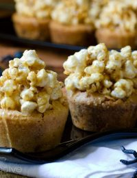 Carmel Corn Blondies Recipe | ASpicyPerspective.com #Halloween #Blondies