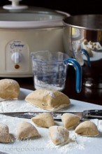 Making Crockpot Apple Butter Yeast Rolls | ASpicyPerspective.com #crockpot #slowcooker #thanksgiving #recipes