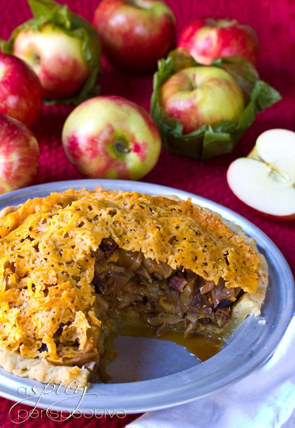 Apple Bacon Pie with Cheddar Crust | ASpicyPerspective.com #recipe #applepie #holiday