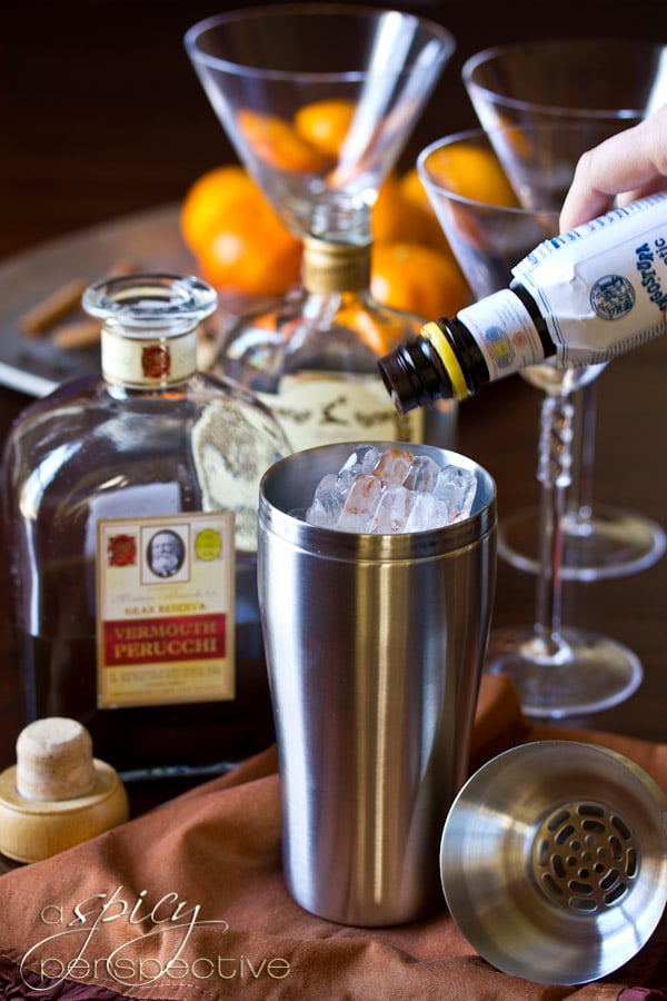 How to Make a Manhattan Cocktail | ASpicyPerspective.com #holiday #cocktails