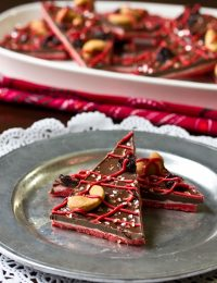 Chocolate Bark Recipe for #ValentinesDay! via ASpicyPerspective.com #ediblegifts #chocolatebark
