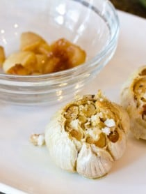 How to Roast Garlic | ASpicyPerspective.com #howto #diy #garlic