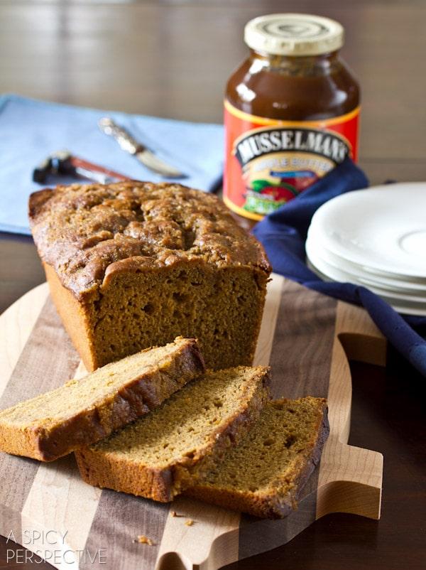 Irish Apple Beer Bread for St. Patty's Day   ASpicyPerspective.com #irish #stpattysday #saintpatricksday
