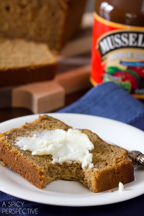Apple Beer Bread Recipe for St. Patty's Day | ASpicyPerspective.com #irish #stpattysday #saintpatricksday