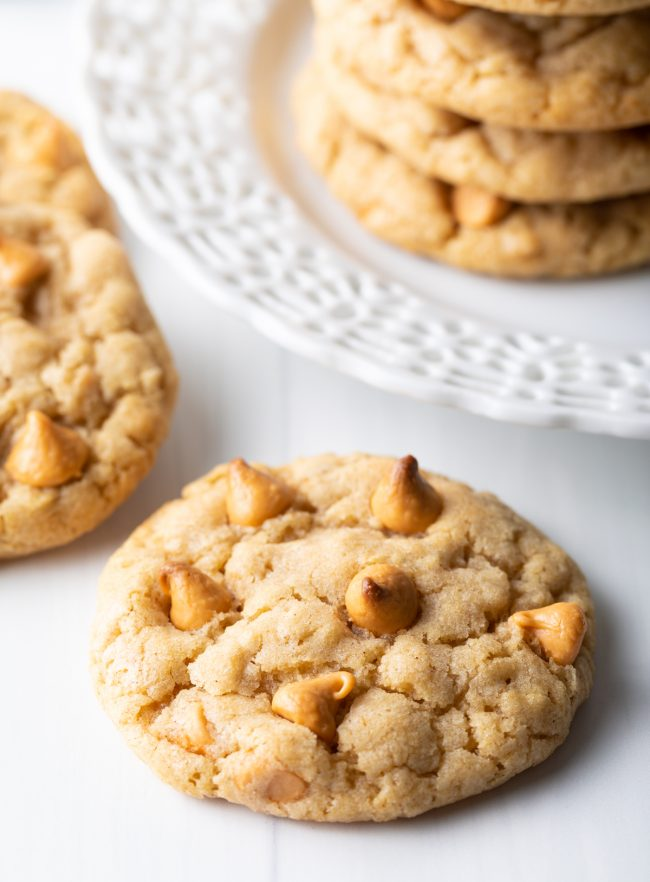 Chewy Oatmeal Cookies with Butterscotch Chips | ASpicyPerspective.com #cookies #oatmealcookies