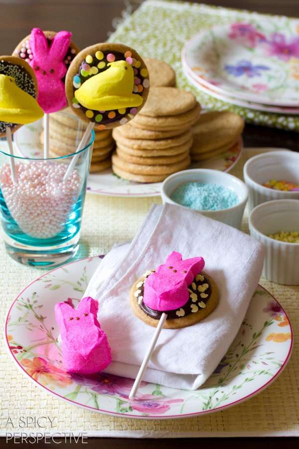 Easter S'mores Cookies on a stick! #easter #cookies #smores #spring