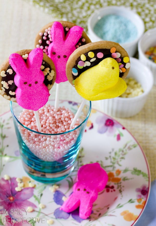 Easter Cookie Pops: S'mores Cookies on a stick! #easter #cookies #smores #spring