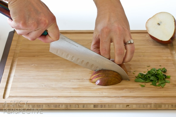 How to Use Knives | ASpicyPerspective.com #howto #kitchen #cookingtips #knives