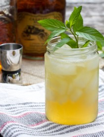 """""""The Champ"""" Bourbon Cocktail - Whiskey Sour 