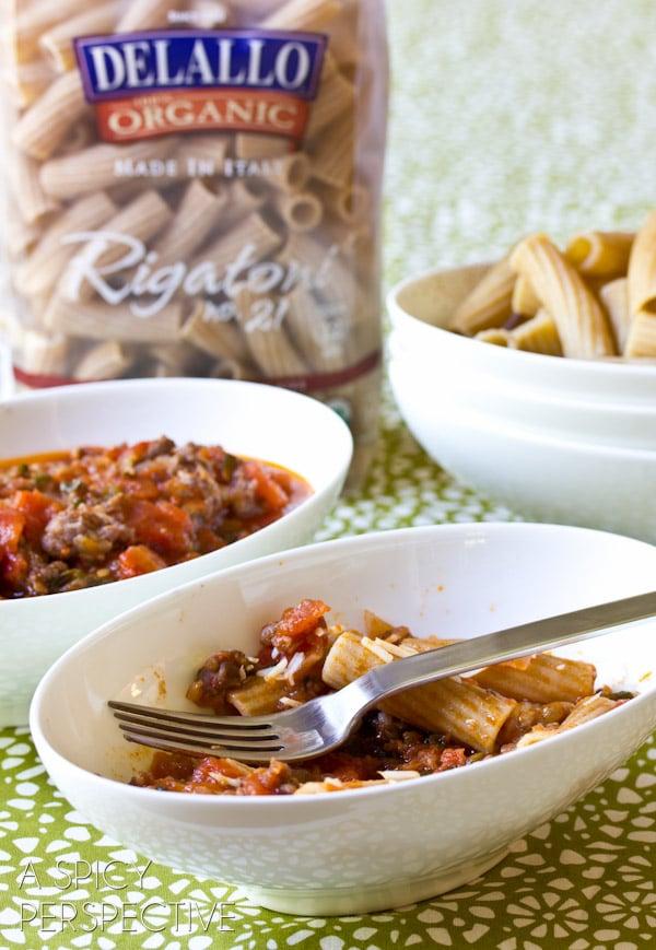 Easy Ragu Recipe with FRESH Tomatoes and Italian Sausage   ASpicyPerspective.com #tomato #pasta