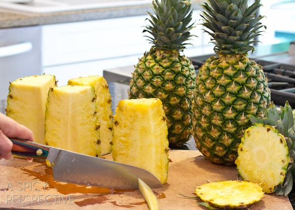 How to Cut a Pineapple - @Sommer | A Spicy Perspective #howto #cooking #cookingtips #pineapple