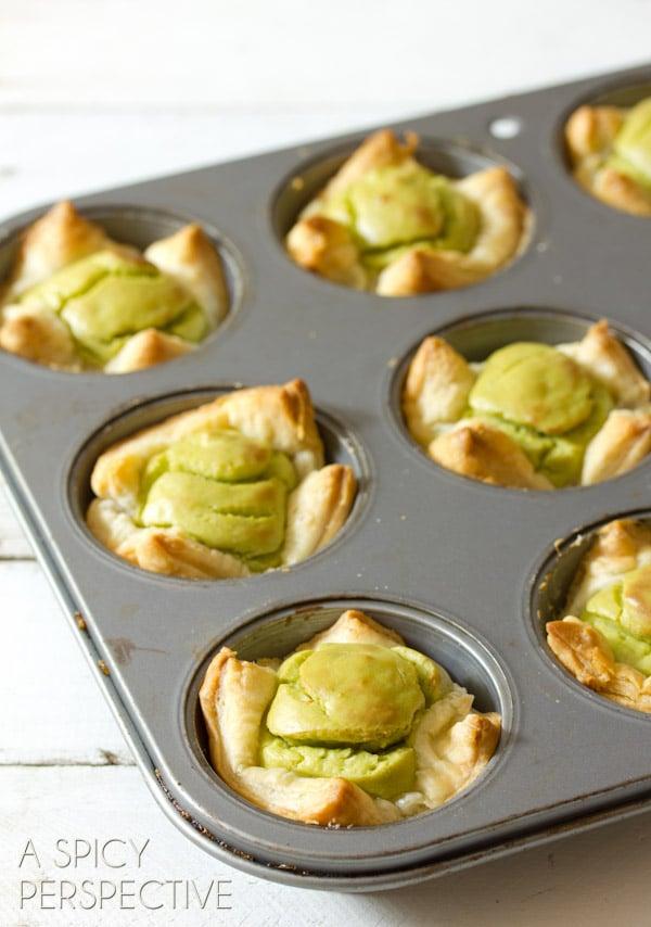 BakedWholly Guacamole Mini Quiche Recipe - Perfect for Brunch! ASpicyPerspective.com #brunch #quiche #miniguac #guacamole