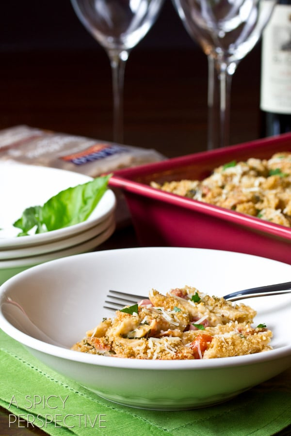 Italian Baked Macaroni and Cheese Recipe   ASpicyPerspective.com #macandcheese #pasta #delallo