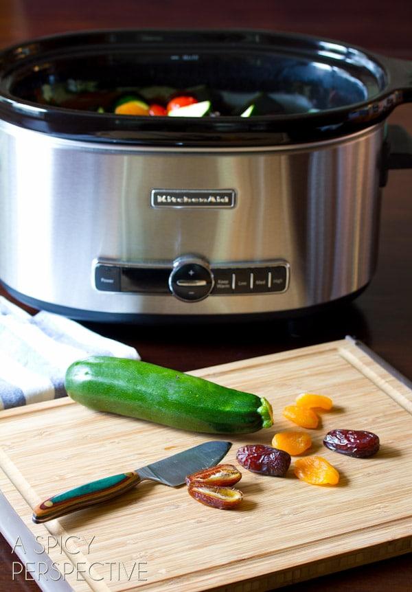 How to Make Slow Cooker Moroccan Chicken #Recipe | ASpicyPerspective.com #slowcooker #crockpot