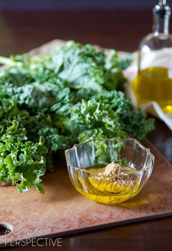 Zesty Baked Kale Chips Recipe #kale #healthy #fall #vegan #paleo