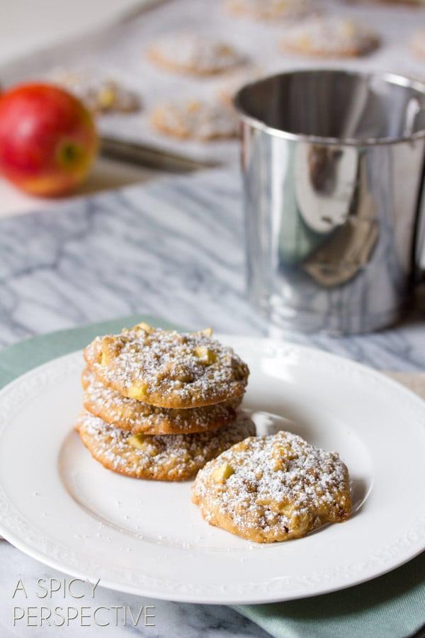 Caramel Apple Oatmeal Cookie Recipe #cookies #fall #caramelapple #oatmealcookies