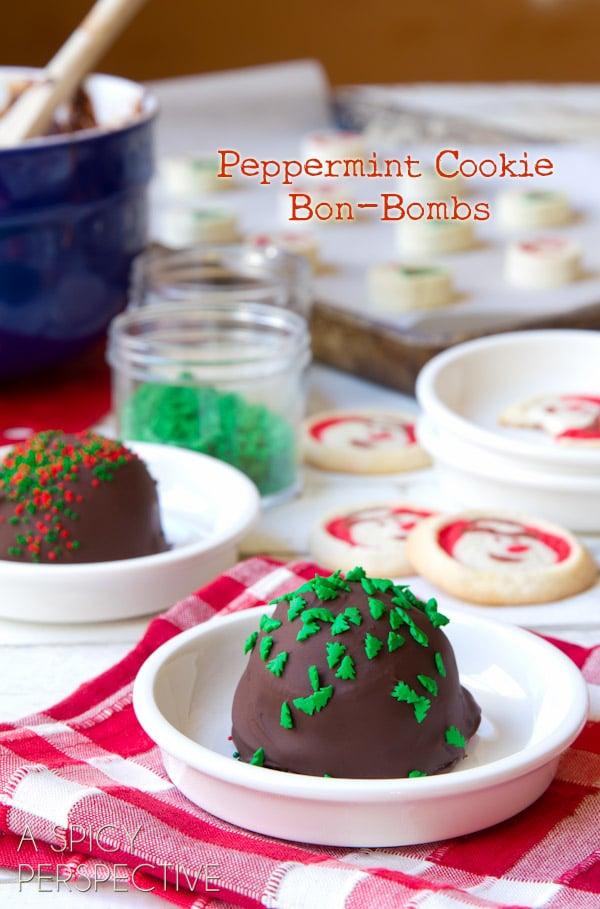 Peppermint Cookie Bon-Bombs - Homemade #IceCream and #Cookie Bon Bons covered in #Chocolate! #peppermint