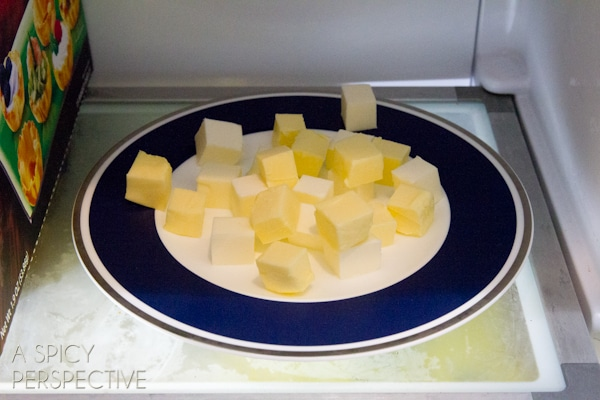 Butter Tip: How to Make a Pie Crust from Scratch - Amazing Perfect Pie Crust tips! #holidays #howto #pie #piecrust
