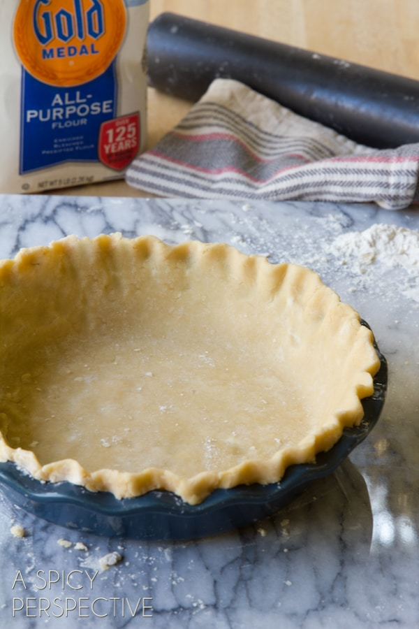 Pie Crust 101: How to Make Pie Crust from Scratch - Amazing Perfect Pie Crust tips! #holidays #howto #pie #piecrust