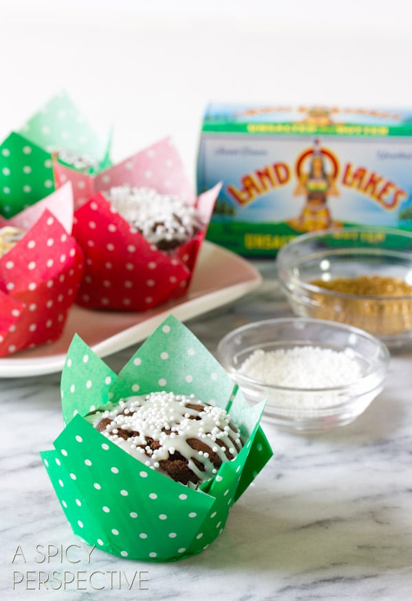 Amazing Gingerbread Muffins with White Chocolate Glaze | ASpicyPerspective.com #christmas #holiday #recipes #gingerbread #ediblegifts