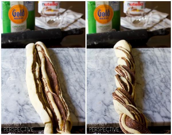 How To - Chocolate Cinnamon Bread Wreath #christmas #holidayrecipe #bread #nutella