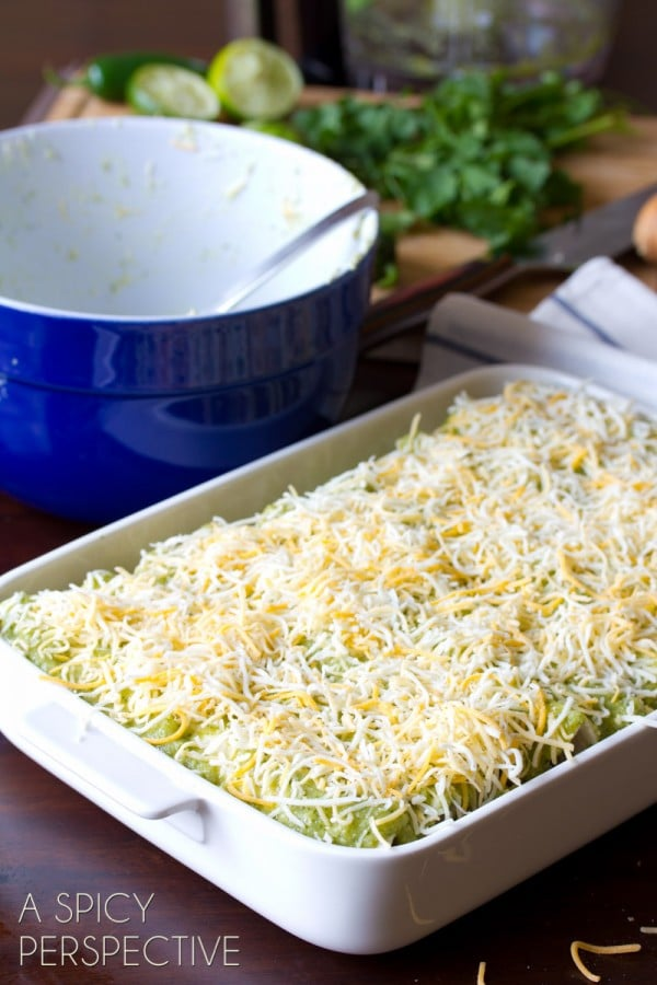 Easy Enchilada Recipe with Salsa Verde, Chicken and Cheese #mexican #recipe #casserole