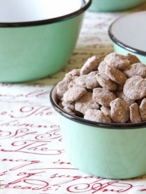Chai Puppy Chow - Makes a great edible gift! #ediblegift #christmas #holiday