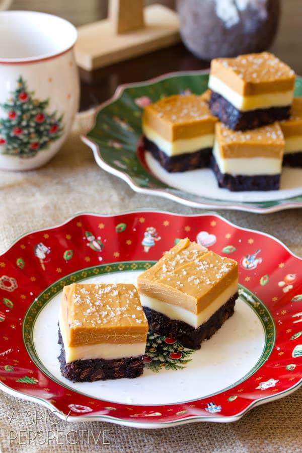Salted Caramel Eggnog Fudge Brownies #christmas #brownies #fudge #holiday #ediblegifts