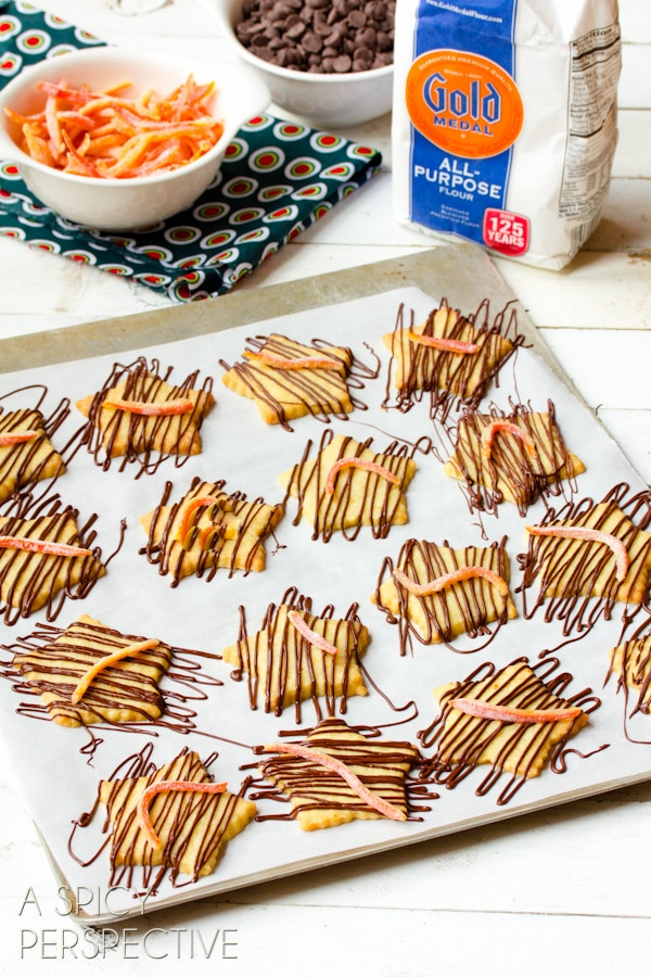 Simple Shortbread Cookies with Chocolate Drizzle and Candied Tangerine Rind #cookies #holiday #christmas #recipe