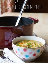 Paleo White Chicken Chili #paleo #recipe #chicken #chickenchili #chili