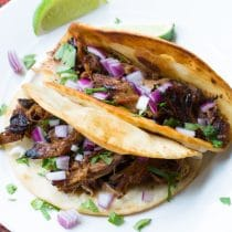 Easy Slow Cooker Carnitas Recipe #carnitas #tacos #mexican #slowcooker #crockpot
