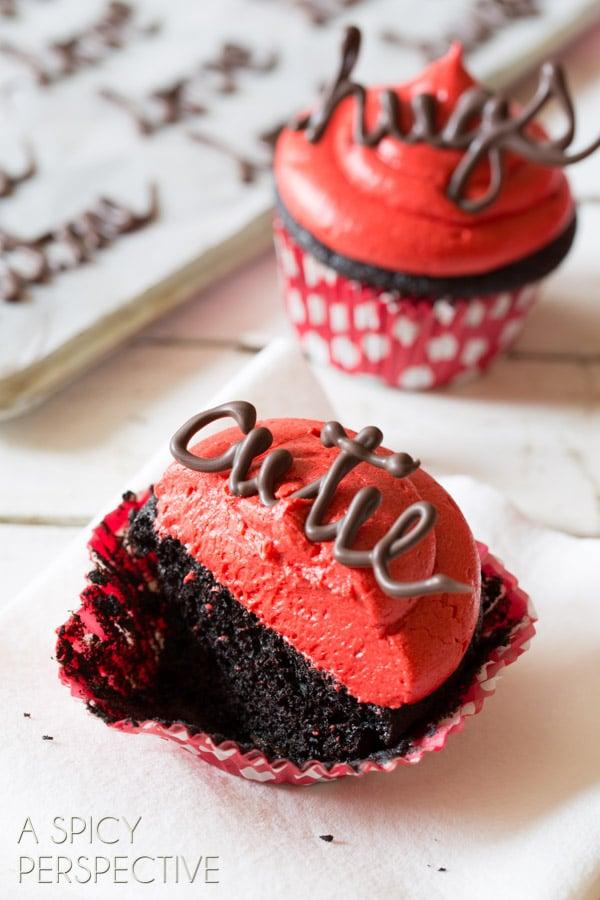 Perfect Dark Chocolate Cupcake Recipe with Red Velvet Frosting #valentinesday #valentine #cupcakes #chocolate #freeprintables