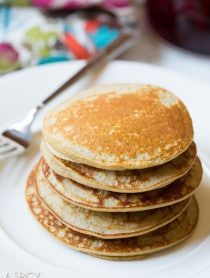 Perfect Paleo Pancakes - Easy 3-Ingredient #Paleo #Pancakes! #Breakfast