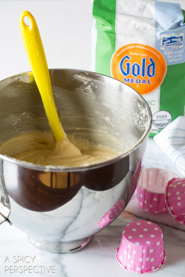 Making Neapolitan Cupcakes! #spring #cupcakes #easter #neapolitan #cake
