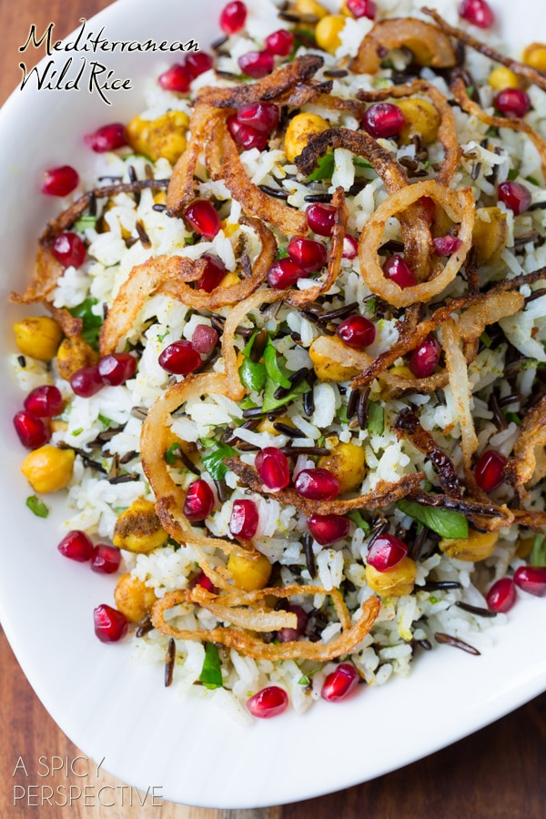 Mediterranean Wild Rice Recipe with Pomegranate and Chickpeas #vegetarian #vegan