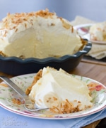 Fluffy-Banana-Cream-Pie