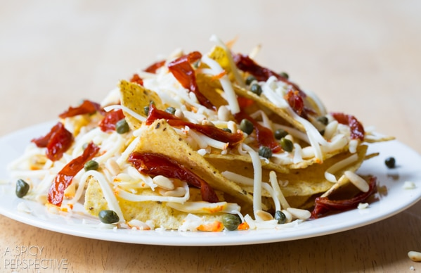 Best 5 Minute Nachos - a great way to use up leftovers! #nachos #fancy