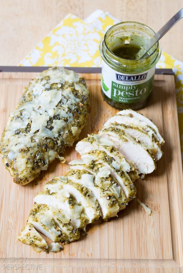 Simple Pesto Chicken #dinner #chicken #pesto #delallofoods