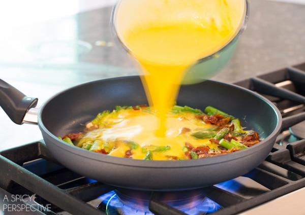 Easy Frittata Recipe with Fontina, Asparagus and Sun Dried Tomatoes #italian #breakfast #frittata