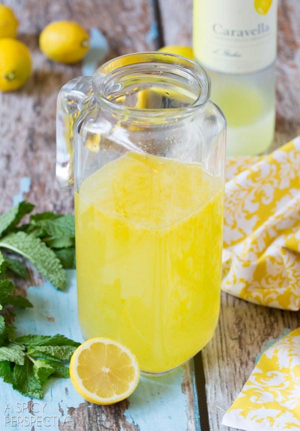 How to Make Limoncello Pops #summer #italian #pops #popsicles #lemon