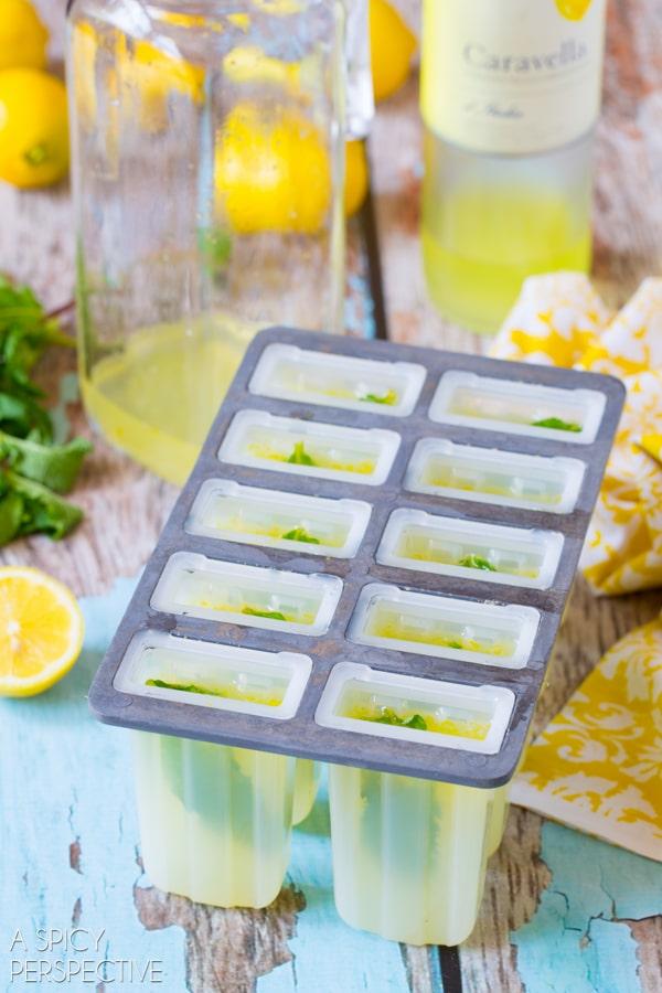 Easy Limoncello Pops #summer #italian #pops #popsicles #lemon